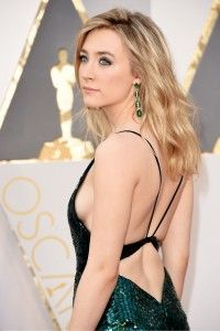 women-of-the-oscars-red-carpet-Saoirse-Ronan